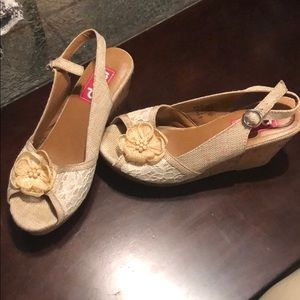 Floral lace wedge sandal